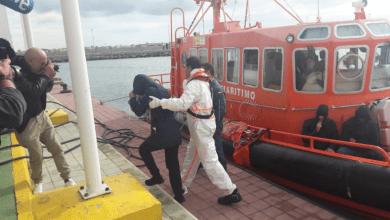 Photo of مليلية المحتلة.. الإنقاذ البحري ينقذ 9 مهاجرين مغاربة بينهم امرأة كانوا على وشك الغرق