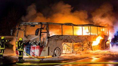 Photo of فيديو .. هولندا .. حريق يشب في حافلة على متنها عشرات الركاب القادمين من أمستردام